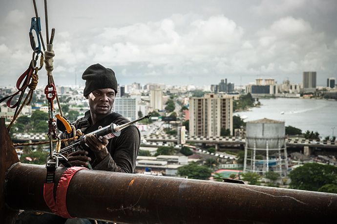 Nigerian-construction-worker-Lagos1.jpg