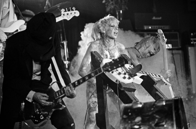 Wendy O Williams gives the axe the saw